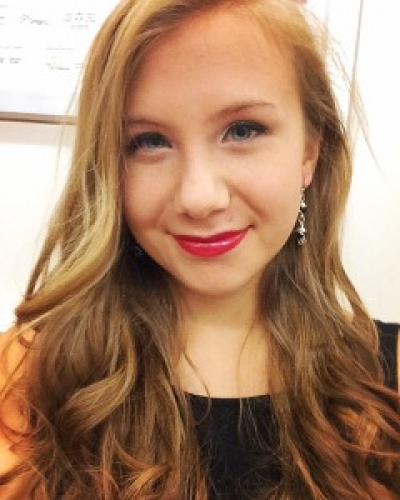 Photo of a Yaymaker Host named Jessica Hartig