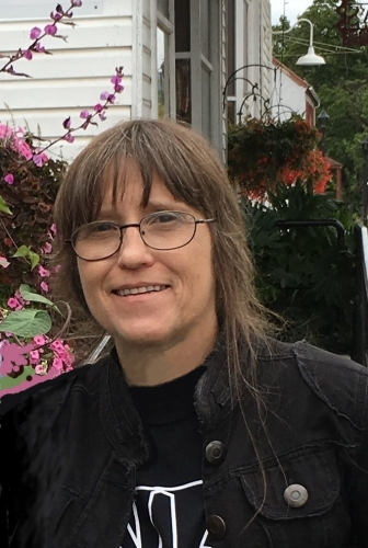 Photo of a Yaymaker Host named Carol Hough #Teamsmall