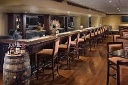 Blue Horse Restaurant Bar In Crown Plaza Hotel Plant Nite