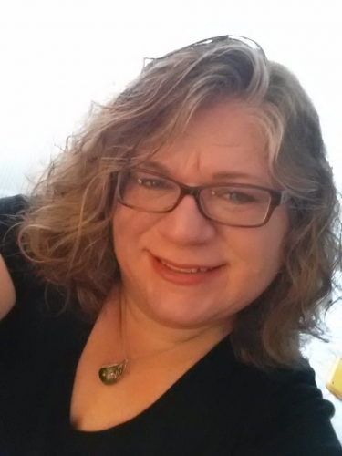 Photo of a Yaymaker Host named Lisa Middendorf