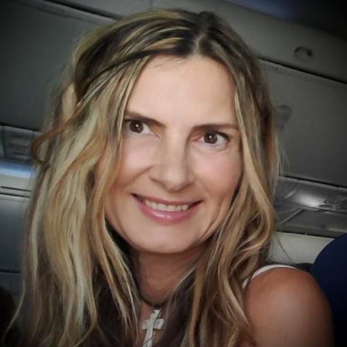 Photo of a Yaymaker Host named Melinda Salerno
