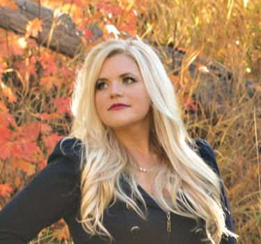 Yaymaker Host Jenny Clark located in Farmington, Utah