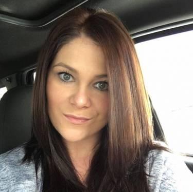 Yaymaker Host Jennifer LeMaster located in Burleson, TX