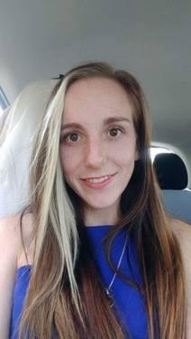 Yaymaker Host Megan Stilling #TeamSmall