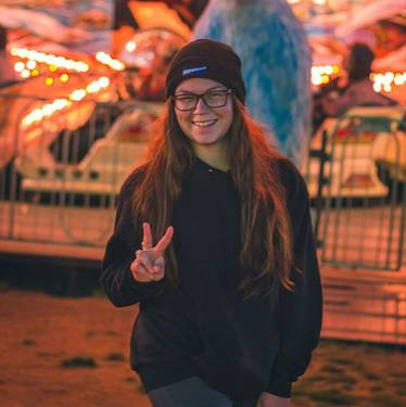 Yaymaker Host Lily Steadman #TeamDaykin located in Rye, NH