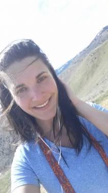 Yaymaker Host Stephanie Waterbury located in Wenatchee, WA