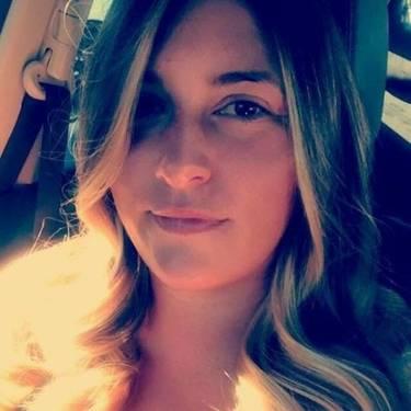 Yaymaker Host Carrie Malkmes #TeamTavarone