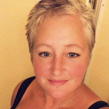 Yaymaker Host Tara Palmer #teamliesl located in Courtice, Ontario