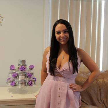 Yaymaker Host Jenna Russo #TeamTavarone located in Inwood, NY