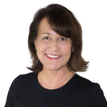 Yaymaker Host Rosanne Nitti located in La Habra, CA