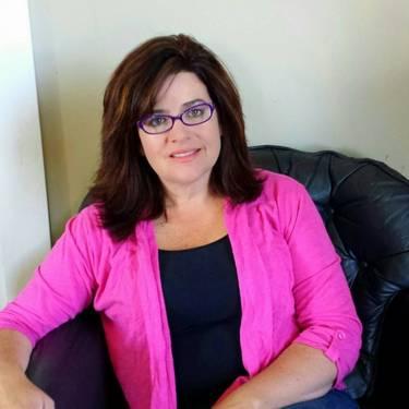 Yaymaker Host Michelle Fields-Perkins located in Winterport, ME