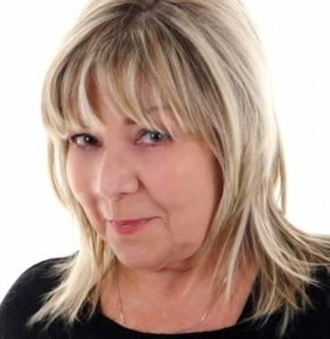 Yaymaker Host Linda Purdy located in Gatineau, QC
