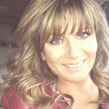 Yaymaker Host Debbie Tavarone #TeamTavarone located in Shirley, NY