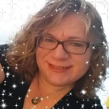 Yaymaker Host Lisa Middendorf located in Dillsburg, PA