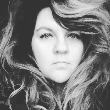 Yaymaker Host Lauren Elfman located in Port Stanley, ON