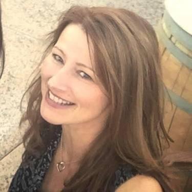 Yaymaker Host Jennifer Linley located in Janesville, WI