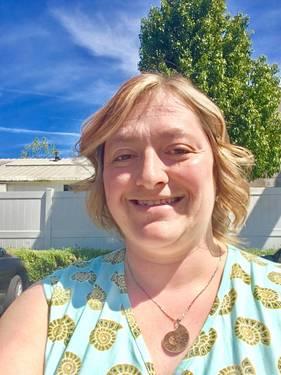 Yaymaker Host Elizabeth Fried located in SUNNYVALE, CA