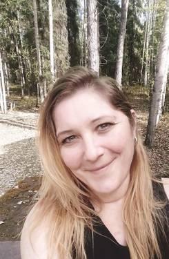 Yaymaker Host Brittney Cameron located in Fairbanks, AK