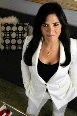 Yaymaker Host Alison Robertson located in WINNETKA, CA