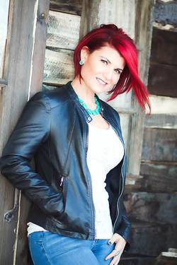 Yaymaker Host Noelle Wasco located in Palm desert, CA