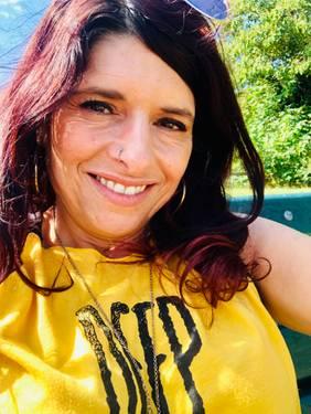 Yaymaker Host Lisa Arce located in NORTHPORT, NY