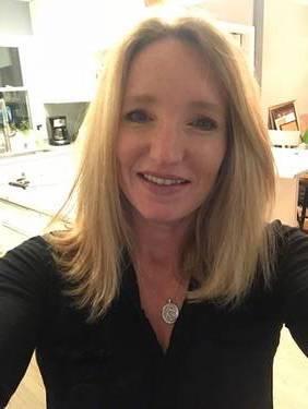 Yaymaker Host Katy Greenbauer located in VILLA PARK, IL