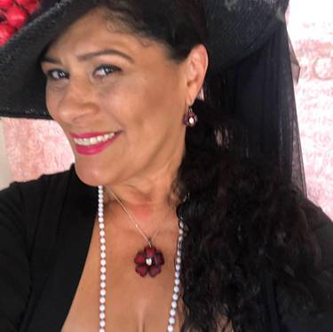 Yaymaker Host Wanda Torres located in WOODLAND HLS, CA
