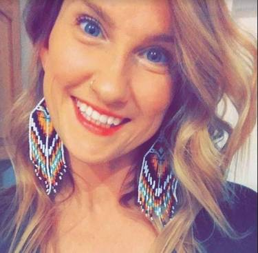 Yaymaker Host Jenni Sottile located in Eagle River, Alaska
