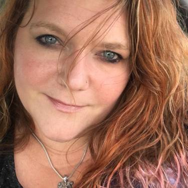 Yaymaker Host Julie Ward located in WICHITA, KS