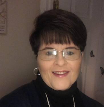 Yaymaker Host Lori Murphy located in Brockville, ON