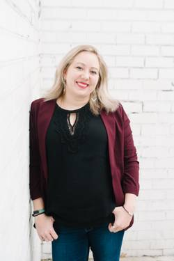 Yaymaker Host Lindsey Turnbull located in WHEATON, MD