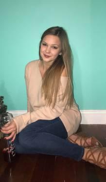 Yaymaker Host Kristen Cordeiro located in Bristol, RI
