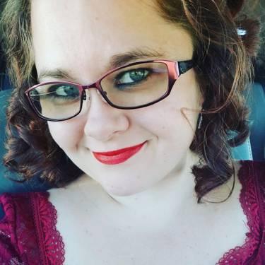 Yaymaker Host Ashley Gibbs located in Nixa, MO