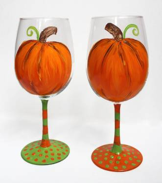 A Pumpkin Patch WINE GLASSES paint nite project by Yaymaker