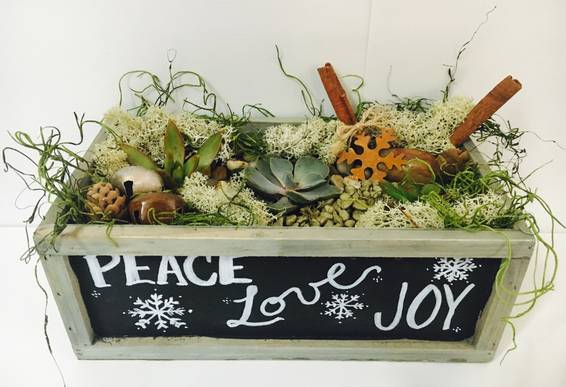 A Rustic Holiday Chalkboard Planter plant nite project by Yaymaker