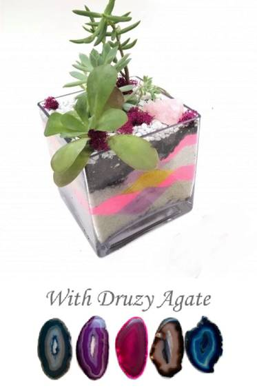 A Sand Art with Agate Slice in Glass Cube plant nite project by Yaymaker