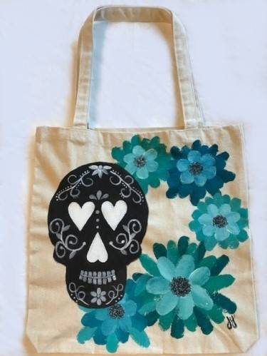 A SkullLovely Tote Bag paint nite project by Yaymaker