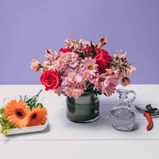A Flower Workshop Seasonal Centerpieces flower workshop project by Yaymaker