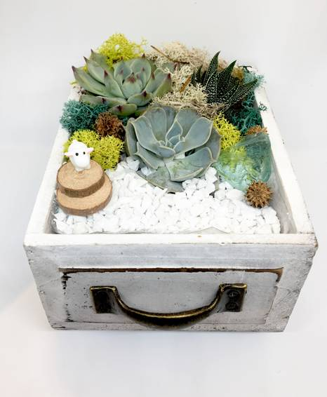 A Sweet Sheep Wood Drawer plant nite project by Yaymaker