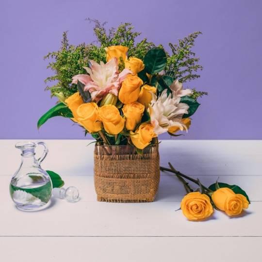 A Flower Workshop Decorative Delights flower workshop project by Yaymaker