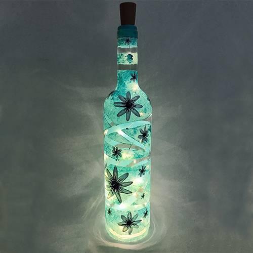 A Daisy Wine Bottle paint nite project by Yaymaker