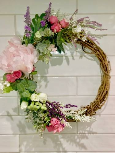 A Boho Spring Wreath plant nite project by Yaymaker