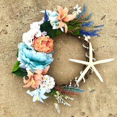 A Washed Ashore Beach Wreath plant nite project by Yaymaker
