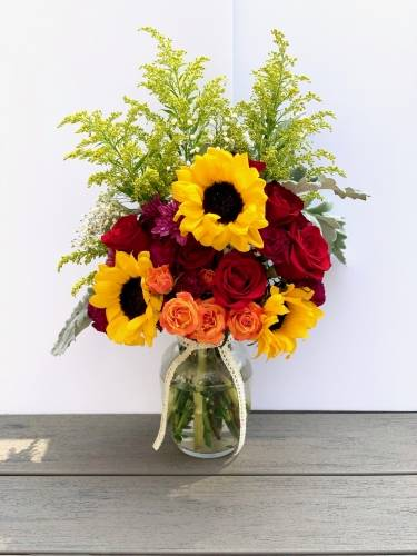 A Sunflowers And Roses flower workshop project by Yaymaker