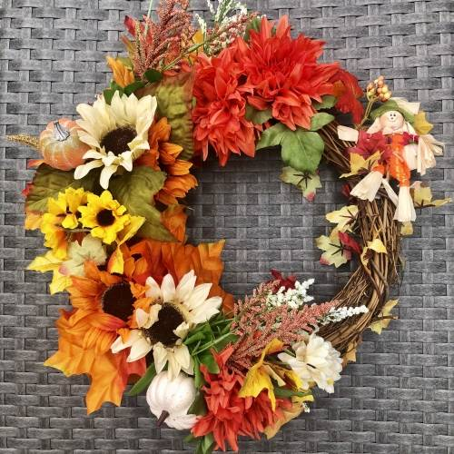 A Fall Foliage Wreath  Forever Flowers plant nite project by Yaymaker