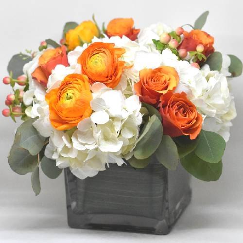 A Fall Festive Arrangement flower workshop project by Yaymaker