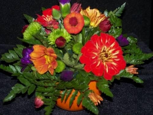 A Pumpkin Flower Centerpiece flower workshop project by Yaymaker