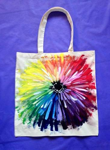 A Andromeda Flower Tote Bag paint nite project by Yaymaker