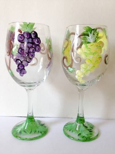 A Grape Vine Wine Glasses paint nite project by Yaymaker