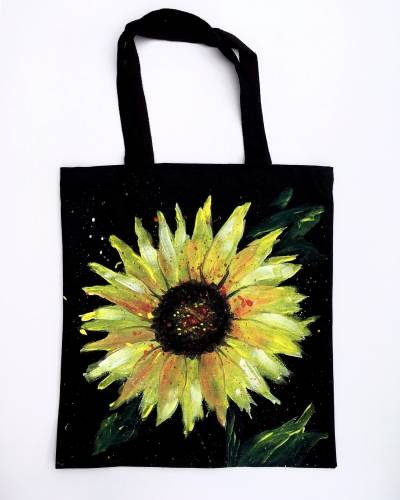 A Sunflower Splat Tote Bag paint nite project by Yaymaker